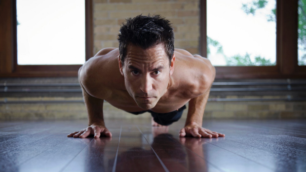 Article image for 50-year-old WA man sets push up record