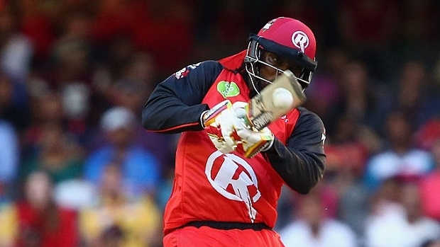 Article image for Brutal Renegades batting blows Hurricanes away in Hobart