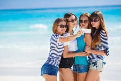 A third of Aussie holidaymakers putting the trip on card