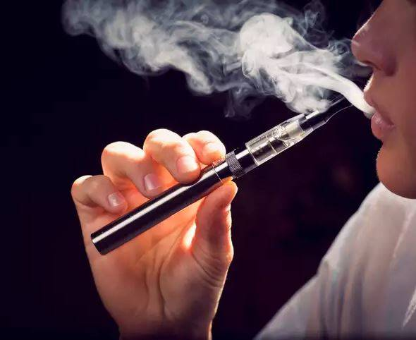 Article image for Response from the vaping industry after the Federal Government announced moves to ban e-cigarette imports
